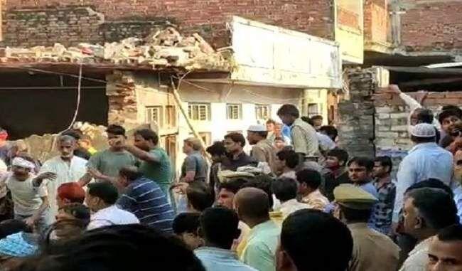 मऊ जिले में सिलेंडर फटने से हुई 12 व्यक्तियों की मृत्यु