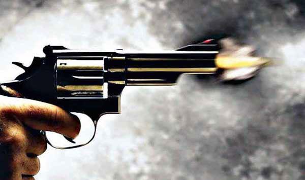 वाराणसी में दिन दहाड़े हो गयी बस संचालक की गोली मारकर हत्या