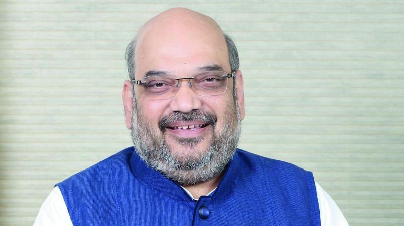 गृह मंत्री श्री अमित शाह ने चक्रवात से निपटने के लिए एक उच्च स्तरीय बैठक की अध्यक्षता की