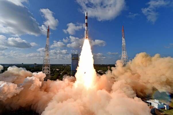 PSLV ने RISAT-2BR1 और नौ वाणिज्यिक उपग्रहों का सफलतापूर्वक प्रक्षेपण किया