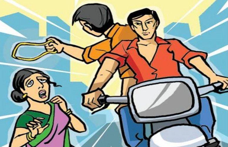 उन्नाव : चोरों के हौसले हुए बुलंद, दिनदहाड़े महिला की लूटी चेन