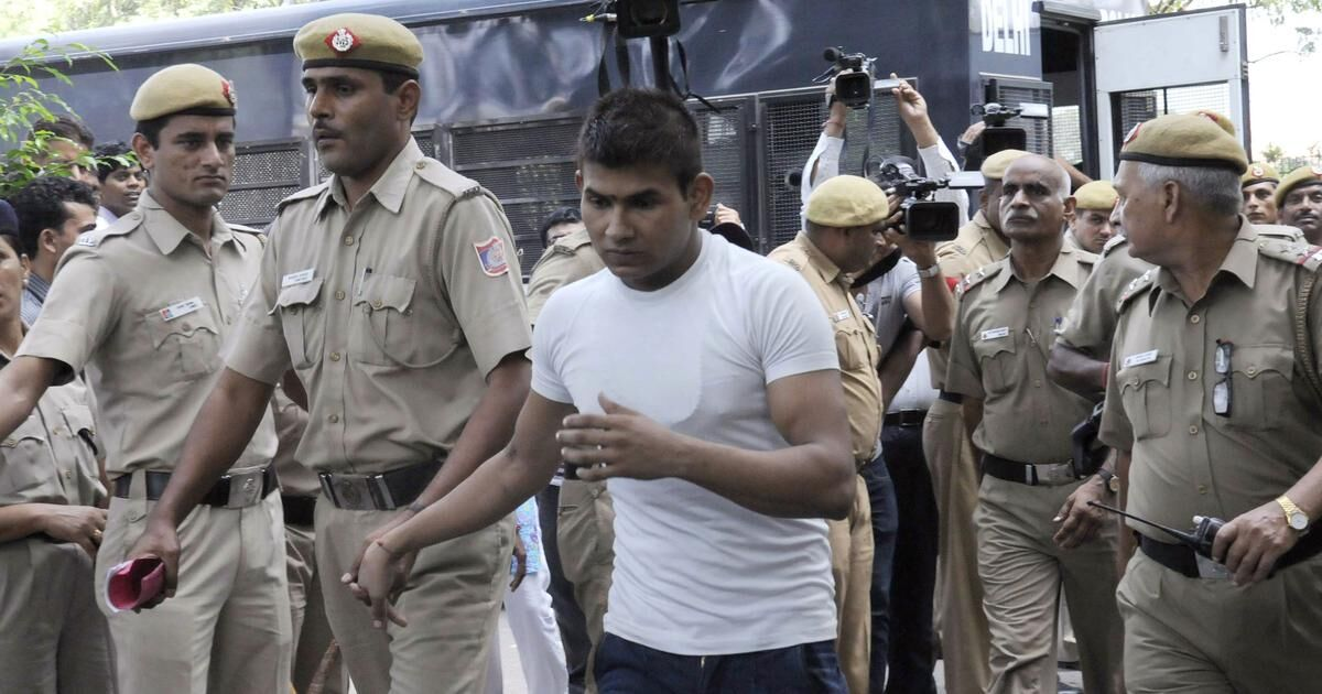 मौत की सजा पाने वाले विनय शर्मा तिहाड़ जेल में खुद को चोट पहुंचाने की कोशिश