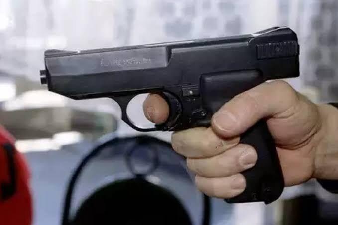 उत्तर प्रदेश : एक शख्स ने अपनी बेटी को मारी गोली यह थी वजह-