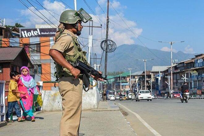 पाकिस्तान लगातार सीमा पार से आतंकी भेजने की कोशिश कर रहा है