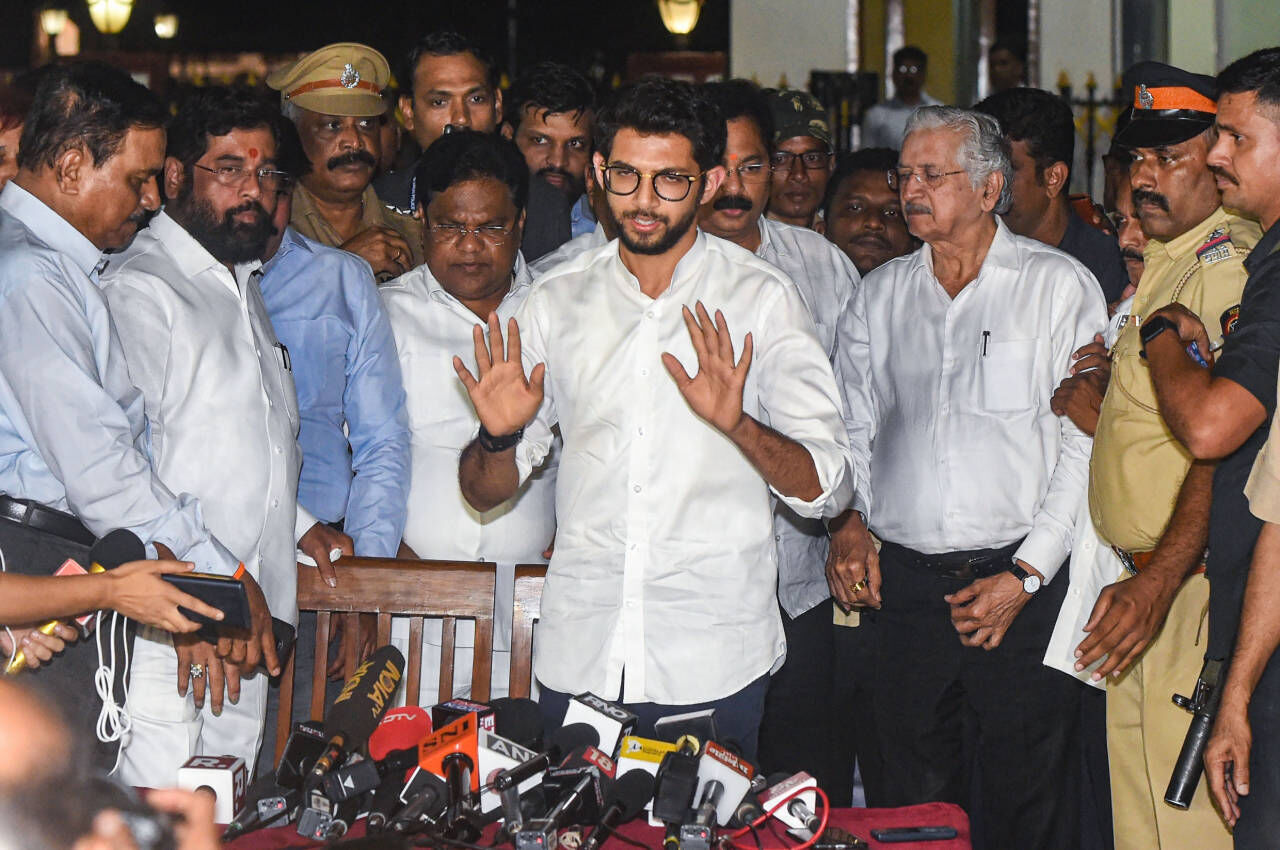 Shiv Sena to sit in opposition
