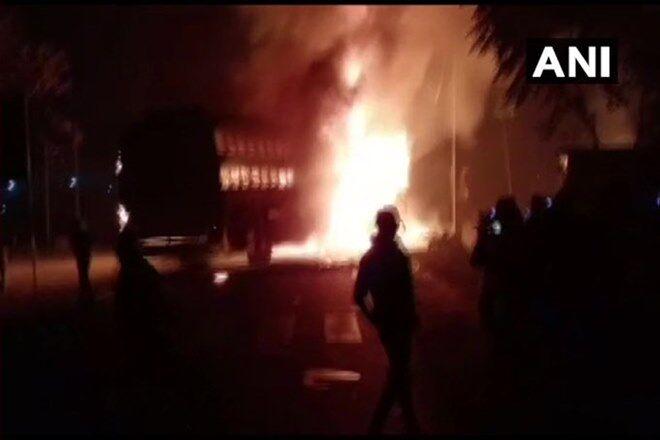 कन्नौज में बस ट्रक की टक्कर में 20 से ज्यादा यात्री जिंदा जले
