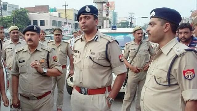 पुलिस अधिकारियों की छुट्टियाँ 30 नवम्बर तक रद्द