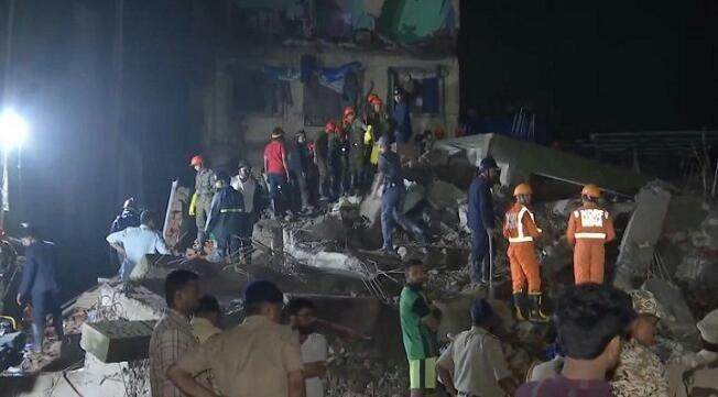 महाराष्ट्र के भिवंडी में गिरी चार मंजिला इमारत