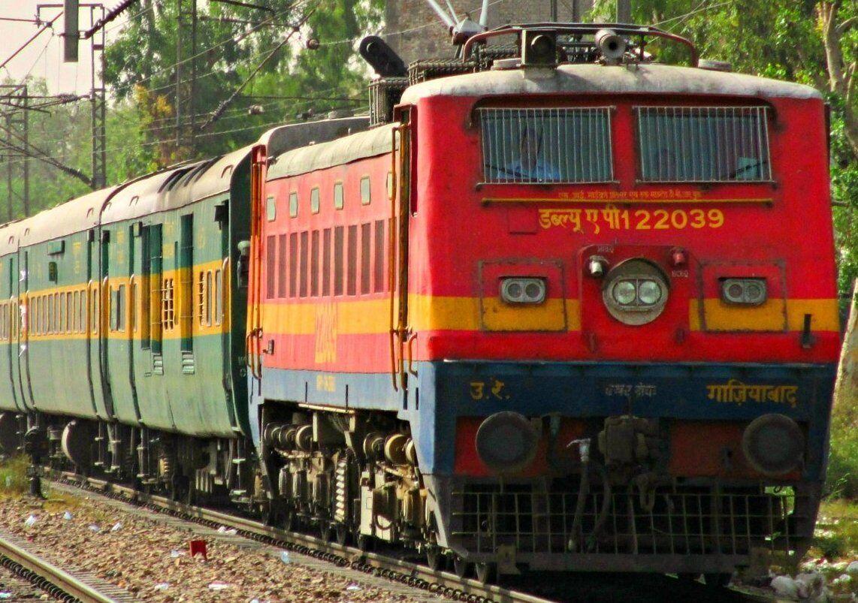 इलाहाबाद और मुगलसराय के बीच रेल संपर्क पहुंचाएगा यात्रियों को फायदा