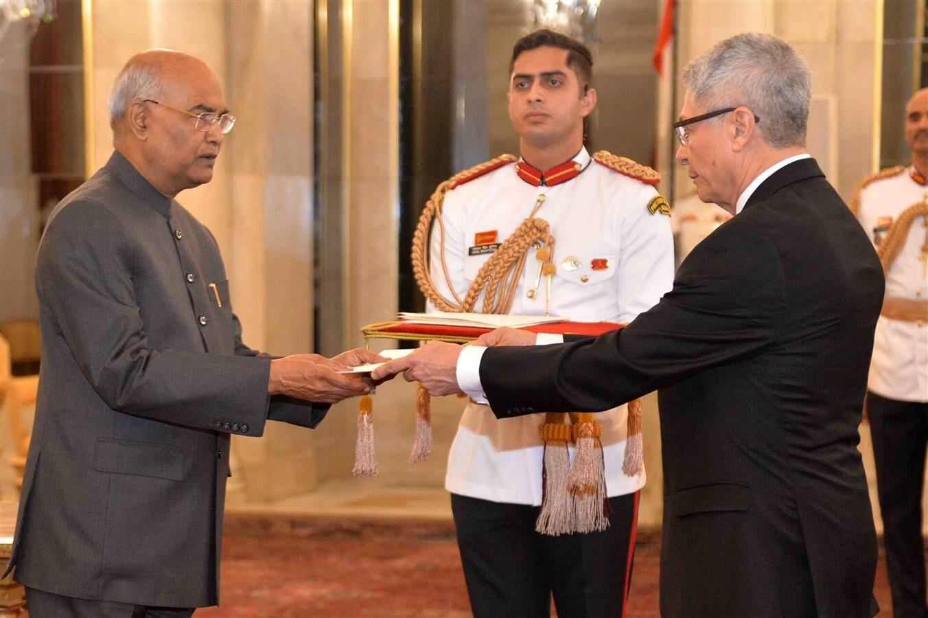Envoys of three Nations present meet President of India