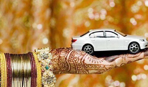 दहेज के दबाव से परेशान थी विवाहित महिला ,ताया लेने गए तो पति ने गोली मार दी